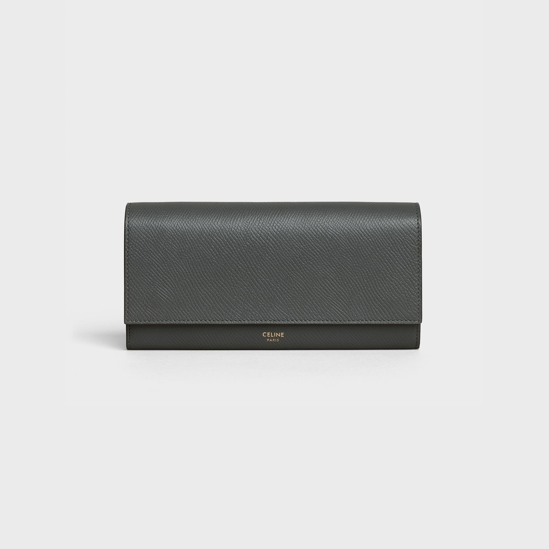 30代の女性に似合うセリーヌの財布