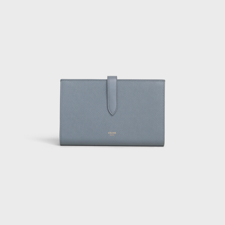 40代女性に人気のセリーヌの財布